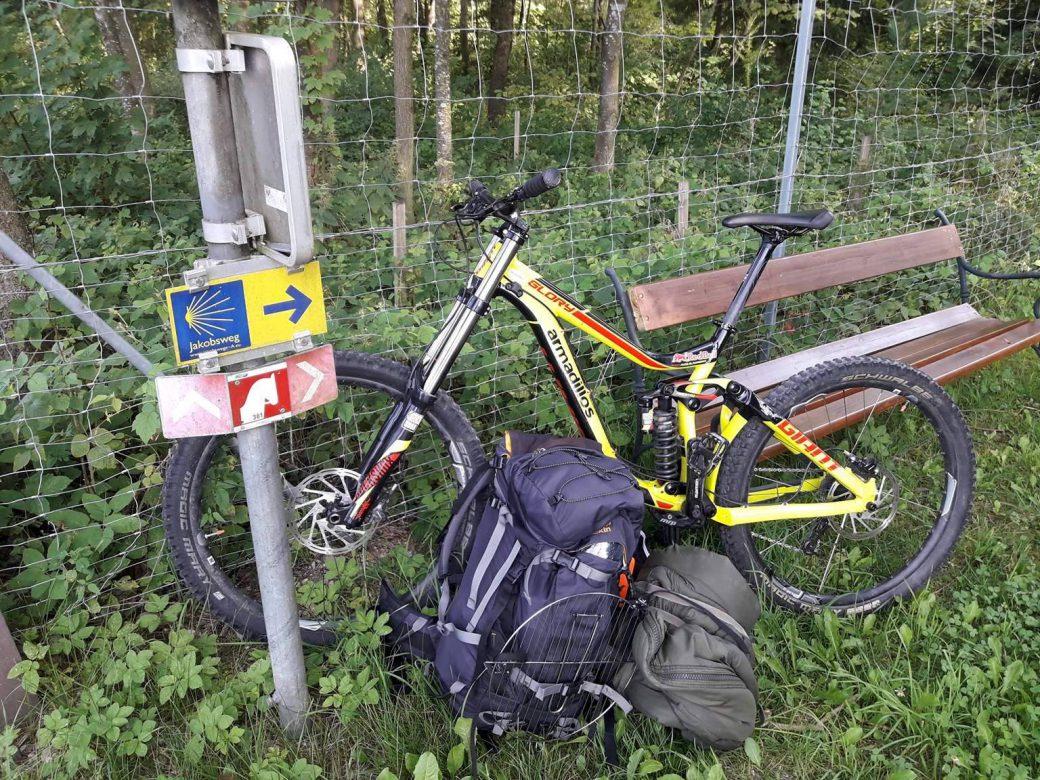 Jakobsweg Downhiller Downhill Bike Stefan Lendvai