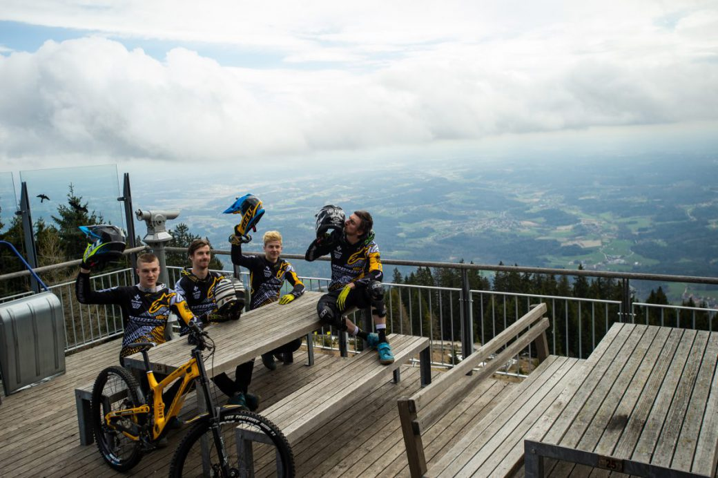 Propain Dirt Sixpack Downhill Team Schöckl