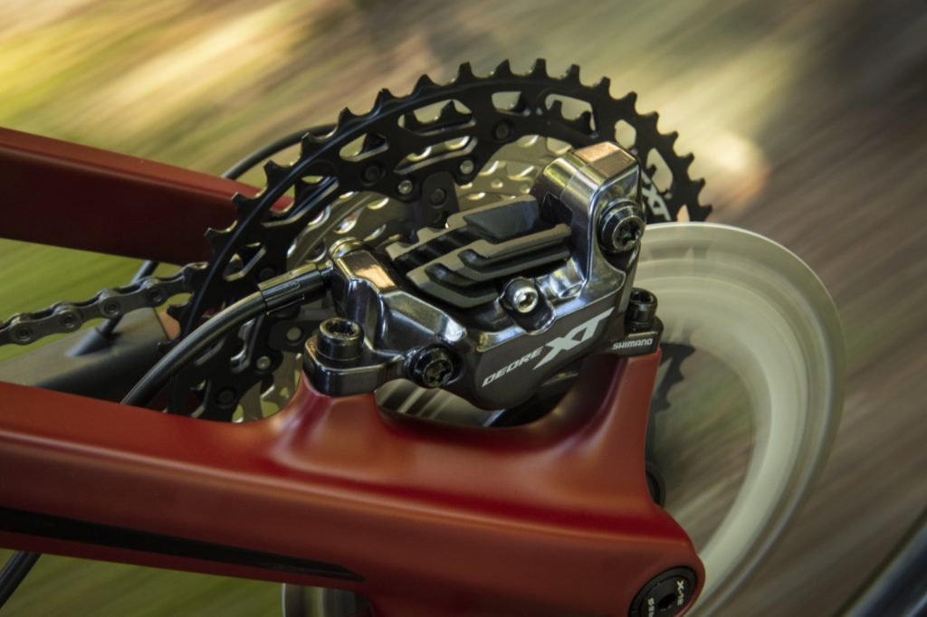 Shimano Deore XT BR-M8120 Bremssattel 4-Kolben Detail