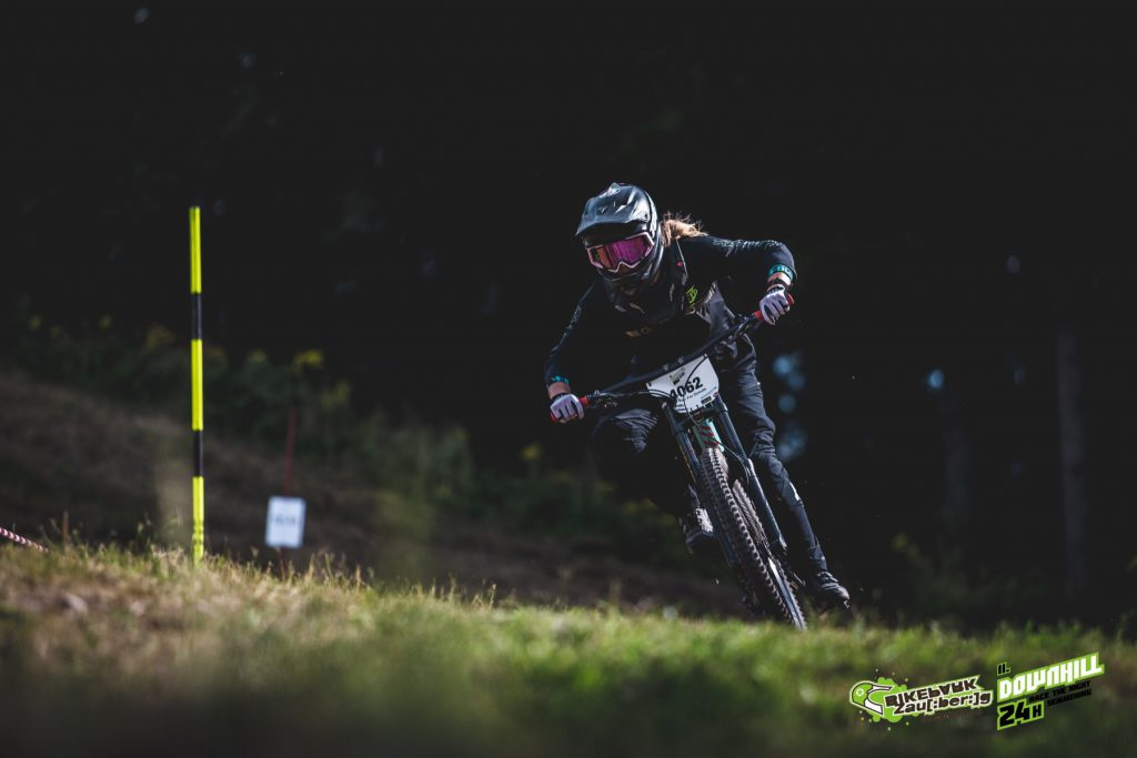 24 Stunden Downhill Semmering Race The Night Lisa Ribarich