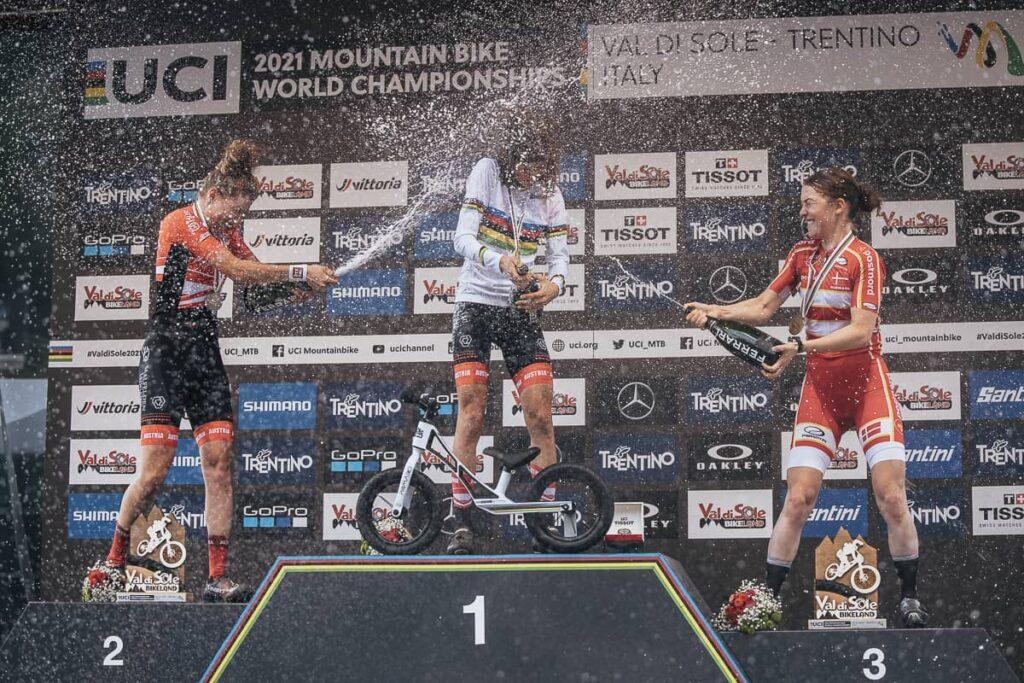 Mona Mitterwallner Laura Stigger XCO U23 Podium WM Val di Sole 2021