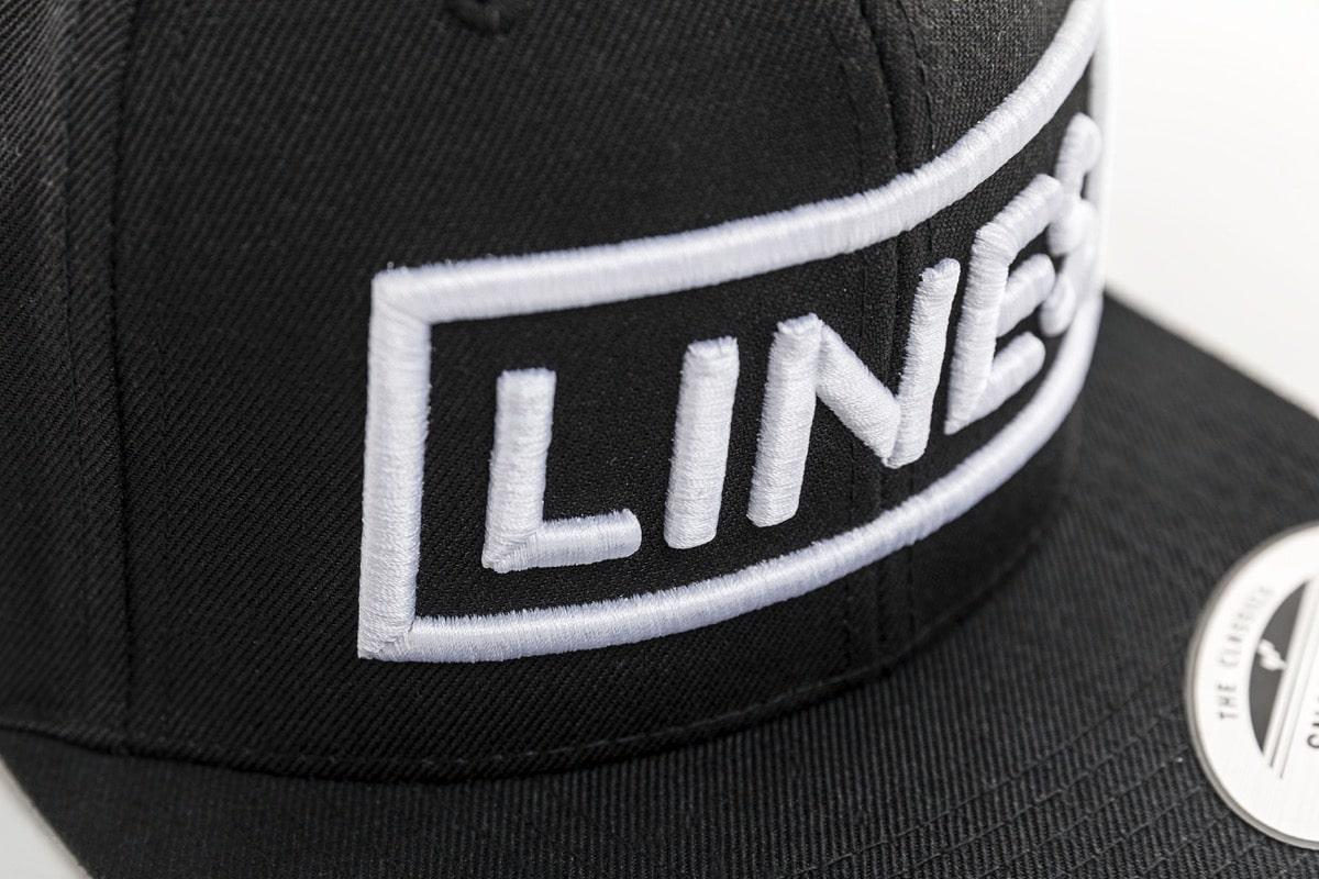 LINES Cap Snapback 3D Stick weiß Close Up